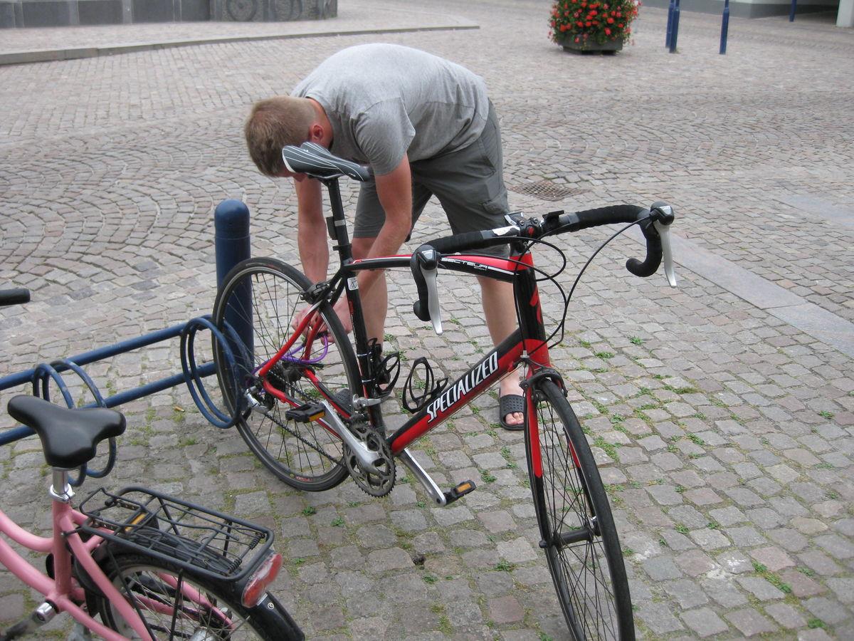 Parkering og sikring af cykel