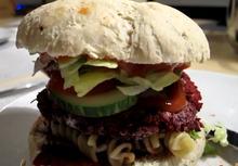 Hjemmelavet vegansk burger